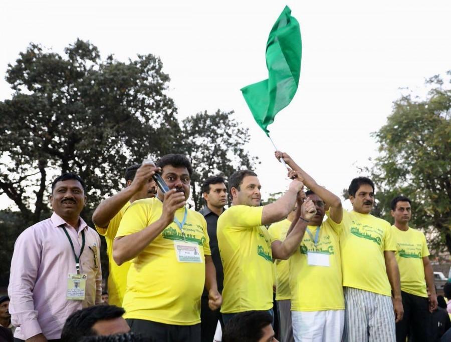 Rahul Gandhi,Congress President Rahul Gandhi,Gol Gumbaz,Vrukshathon 2018,Rahul Gandhi in Karnataka,Vijayapura