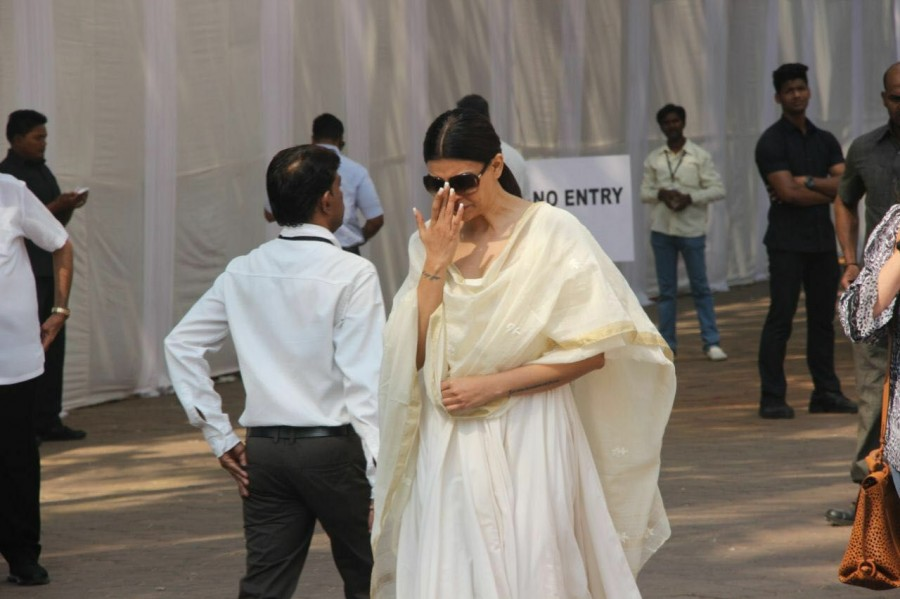 Aishwarya Rai Bachchan,Aishwarya Rai,Hema Malini,Sridevi funeral,Sridevi funeral at Celebration Sports Club,Celebration Sports Club,Aishwarya Rai at Celebration Sports Club,Sushmita Sen