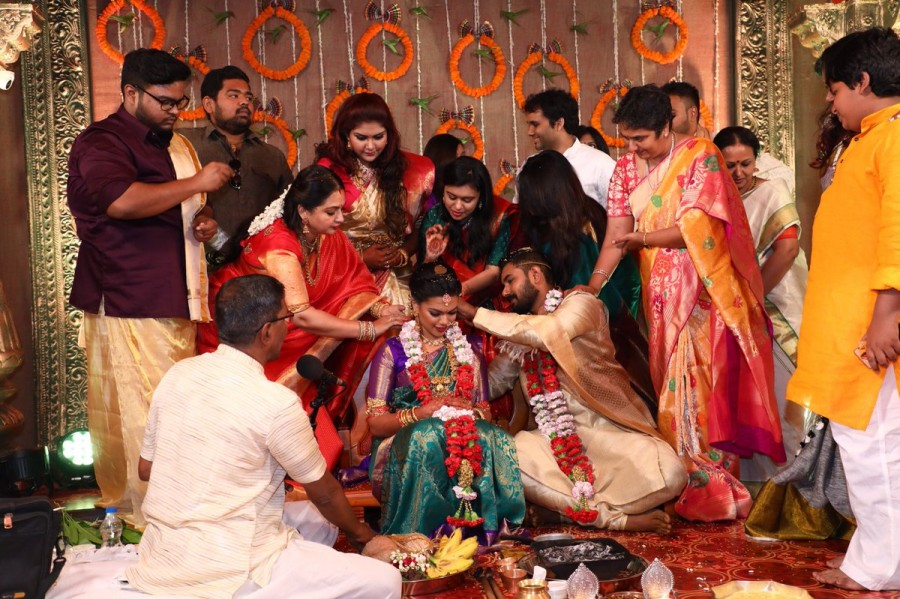 R.Parthiban - Seetha,R.Parthiban,Seetha,R Parthiban daughter wedding,R Parthiban daughter marriage,Keerthana weds Akshay,Keerthana and Akshay