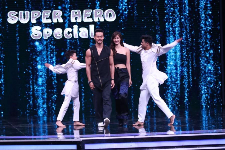 Baba Black Sheep,Baaghi 2,Manish Paul,Super Dancer 2 semi finale,Super Dancer 2,Tiger Shroff and Disha Patani,Tiger Shroff,Disha Patani