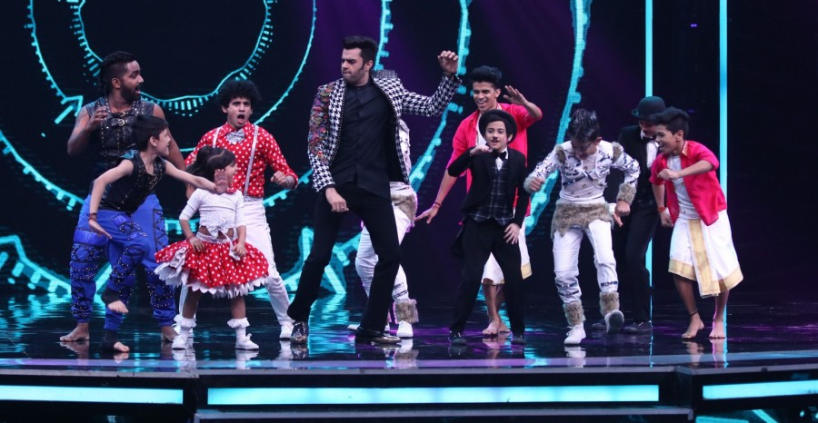 Baba Black Sheep,Baaghi 2,Manish Paul,Super Dancer 2 semi finale,Super Dancer 2,Tiger Shroff and Disha Patani,Tiger Shroff,Disha Patani