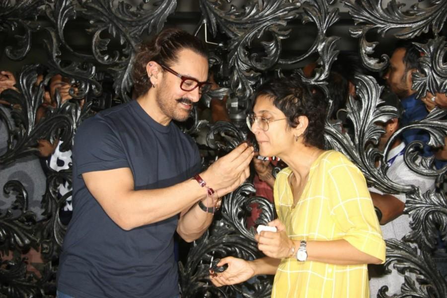 Aamir Khan,Aamir Khan celebrates his 53nd birthday,Aamir Khan 53nd birthday,Aamir Khan birthday celebration,Aamir Khan birthday celebration pics,Aamir Khan birthday celebration images,Aamir Khan celebration