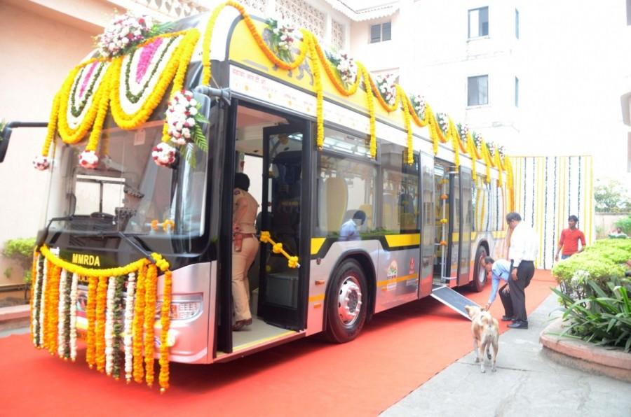 Maharashtra CM Devendra Fadnavis,Devendra Fadnavis,hybrid electric,hybrid electric buses,hybrid electric AC buses