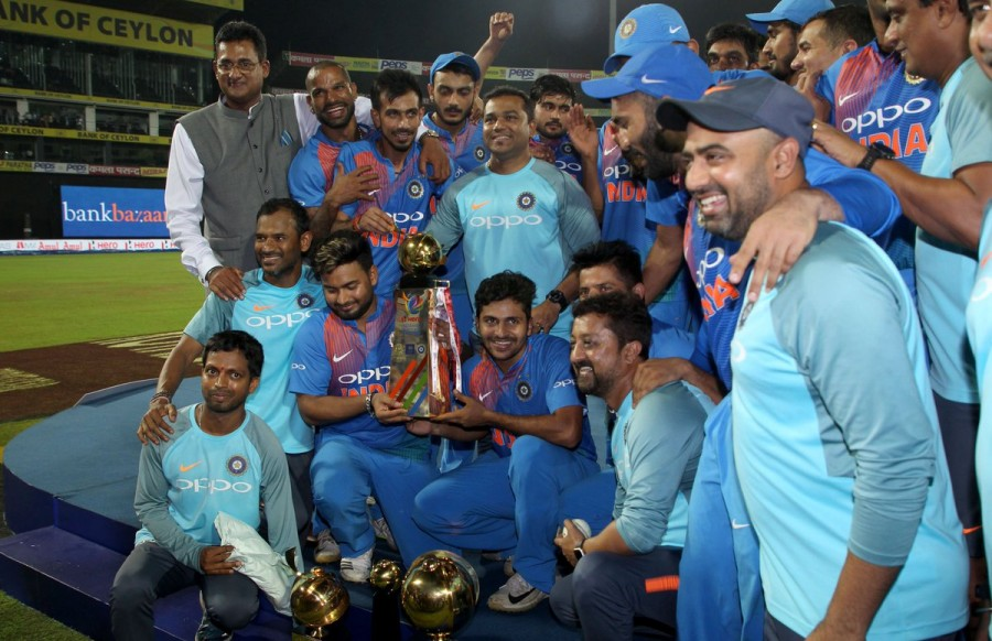 IND vs BAN,Ind vs Ban result,Dinesh Karthik,Dinesh Karthik six,Rohit Sharma,India beats Bangladesh,Bangladesh,Nidahas Trophy final,Nidahas Trophy final winner