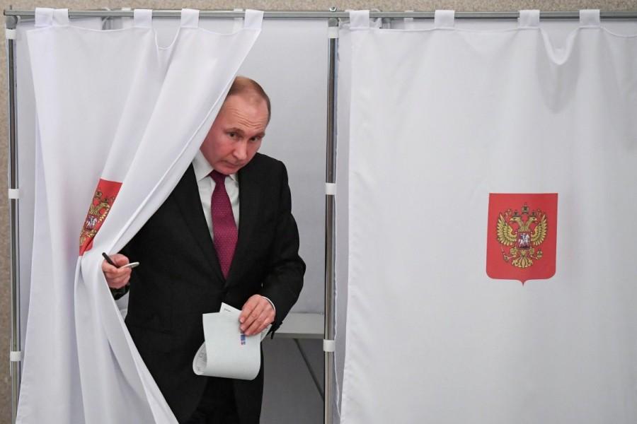 Vladimir Putin,Russian President Vladimir Putin,president vladimir putin,Vladimir Putin wins,Vladimir Putin re-election,Vladimir Putin pics,Vladimir Putin images