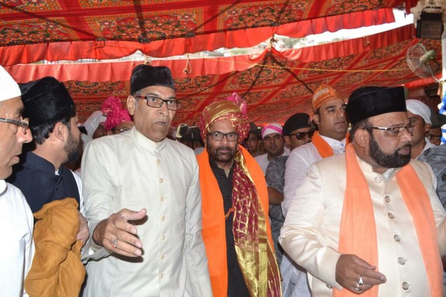 Mukhtar Abbas Naqvi,Union Minister Mukhtar Abbas Naqvi,Union Minister Naqvi,PM Narendra Modi,Narendra Modi,Ajmer Sharif,Ajmer Sharif Dargah