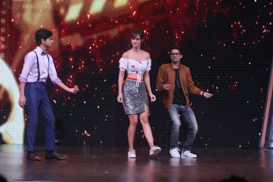 Dance India Dance Li'l Masters,Tiger Shroff,Disha Patani,Tiger Shroff and Disha Patani,Chitrangda Singh,Baaghi 2,Baaghi 2 promotion,Baaghi 2 movie promotion