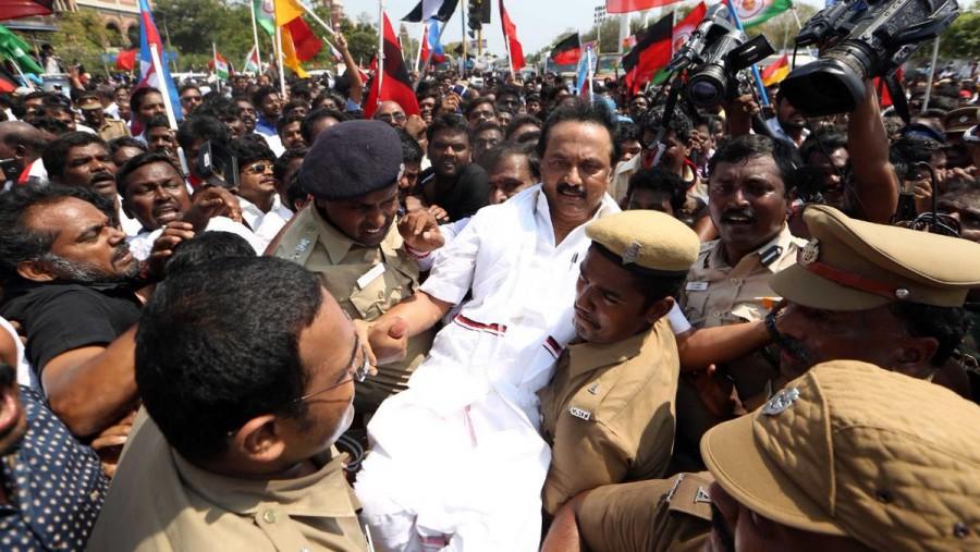 Cauvery protest,Tamil Nadu,Tamil Nadu Bandh,Tamil Nadu bandh pics,Tamil Nadu bandh images,DMK,M.K. Stalin,Stalin