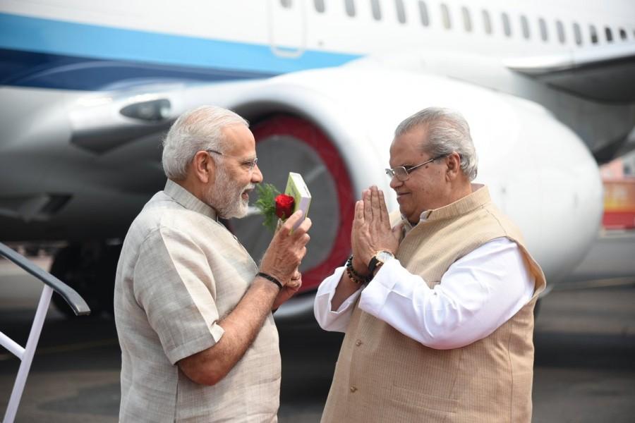 Narendra Modi,PM Narendra Modi,Prime Minister Narendra Modi,Modi arrives Bihar,Modi in Bihar,Champaran Satyagraha,Champaran Satyagraha celebrations,Champaran Satyagraha celebrations pics,Champaran Satyagraha celebrations images