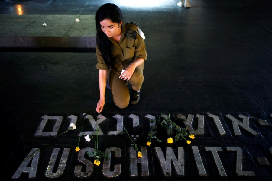 Holocaust Remembrance Day,Remembrance Day,Holocaust Remembrance Day pics,Holocaust Remembrance Day images,Israel stands silent