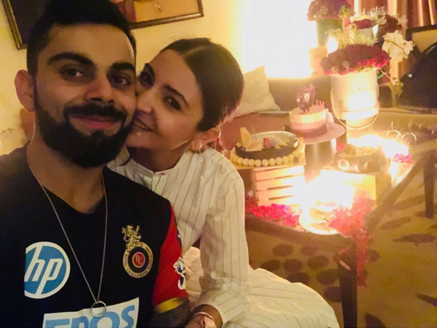 Virat Kohli,virat kohli anushka sharma,Anushka Sharma,Anushka Sharma 30th birthday,Anushka Sharma birthday celebration,Anushka Sharma birthday celebration pics,Virat Kohli celebrates Anushka Sharma birthday