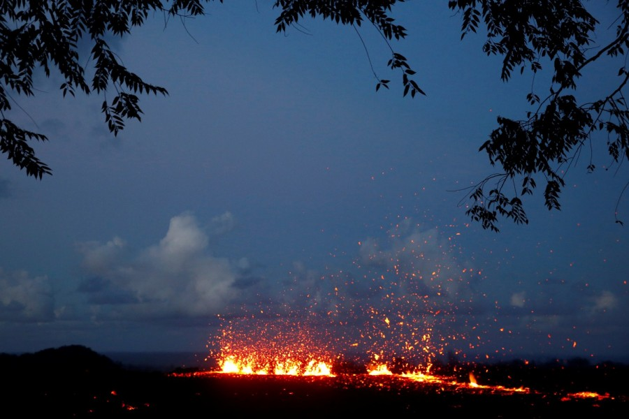 Hawaiian volcano,Hawaiian volcano pics,Hawaiian volcano images