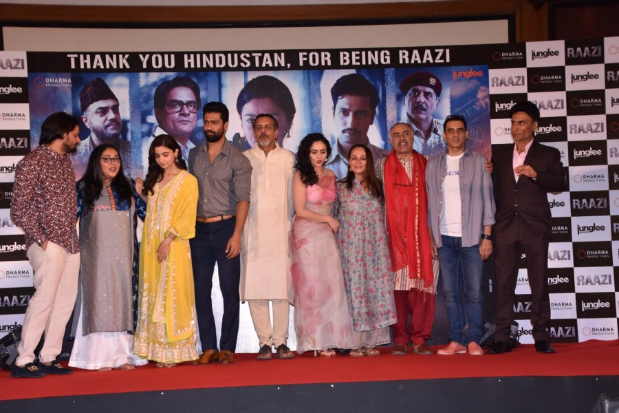 Alia Bhatt,Vicky Kaushal,Music director Shankar Mahadevan,Meghna Gulzar,Soni Razdan,Karan Johar,Raazi,Raazi success meet,Raazi success meet pics,Raazi success meet images,Raazi success meet stills