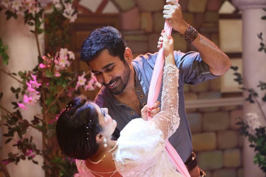 Vijay Antony,Sunaina,Anjali,Kaasi movie stills,Kaasi movie pics,Kaasi movie images,Kaasi movie photos,Kaasi movie review,Kaasi review,Kaasi boxoffice,Kaasi boxoffice collection