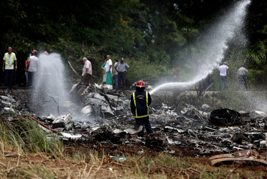 Plane crash in Cuba,fiery plane crash in Cuba,fiery plane crash,Boeing 737 passenger plane