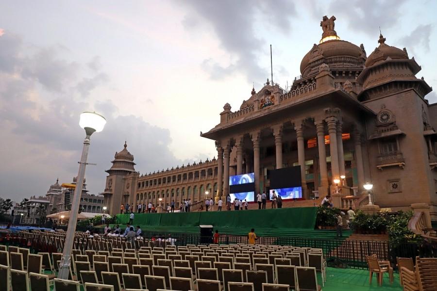 Kumaraswamy,hd kumaraswamy,Kumaraswamy swearing in ceremony,Kumaraswamy swearing in ceremony pics,Kumaraswamy swearing in ceremony images,Vidhan Soudha