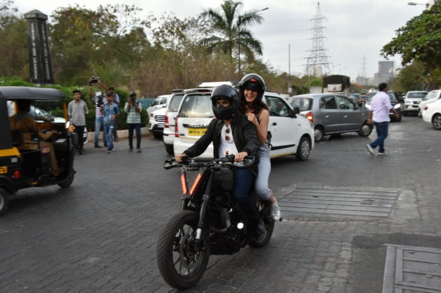 Harshvardhan Kapoor,actor Harshvardhan Kapoor,Harshvardhan Kapoor takes Taapsee Pannu,Harshvardhan takes Taapsee,Harshvardhan takes Taapsee bike ride,Harshvardhan and Taapsee bike ride,Bhavesh Joshi Superhero