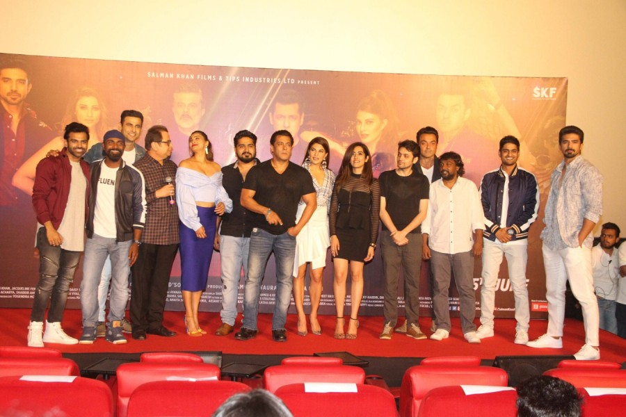 Salman Khan,Jacqueline Fernandez,Remo D'Souza,Ramesh Taurani,Bobby Deol,Daisy Shah,Saqib Saleem,Sreerama Chandra,Allah Duhai Hai song launch,Allah Duhai Hai,Allah Duhai Hai song launch pics,Race 3