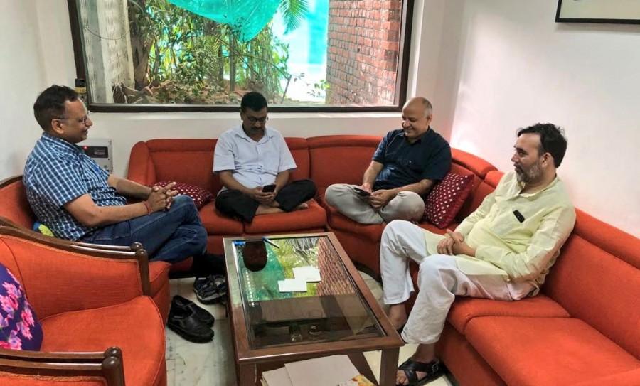 AAP dharna,AAP,Arvind Kejriwal,CM Arvind Kejriwal,Delhi chief minister Arvind Kejriwal,L-G Baijal office,Governor Anil Baijal,Raj Niwas,cabinet colleagues