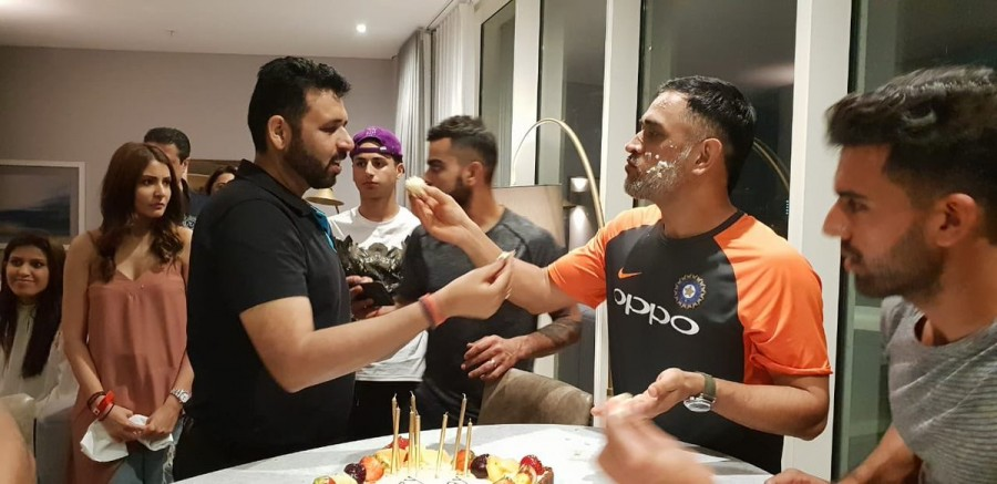 Happy Birthday MS Dhoni,MS Dhoni,MS Dhoni birthday celebration,Ziva,Sakshi,MSD cuts birthday cake,MS Dhoni birthday celebration pics,MS Dhoni birthday celebration images,MS Dhoni birthday celebration  stills,MS Dhoni birthday celebration  pictures,MS Dhon