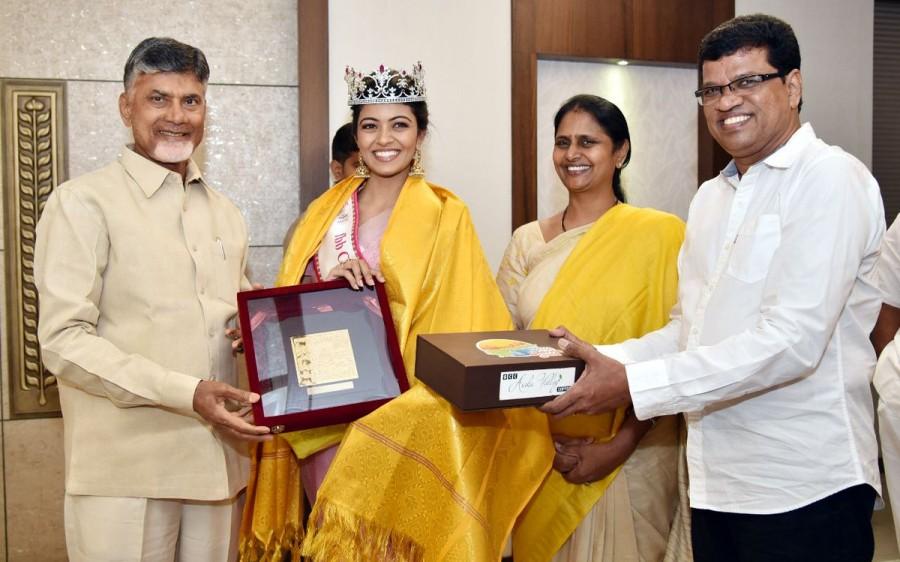 Chandrababu Naidu,CM Chandrababu Naidu,Chandrababu Naidu meets Miss India 2018,Chandrababu Naidu meets Shreya Rao Kamavarapu,Shreya Rao Kamavarapu