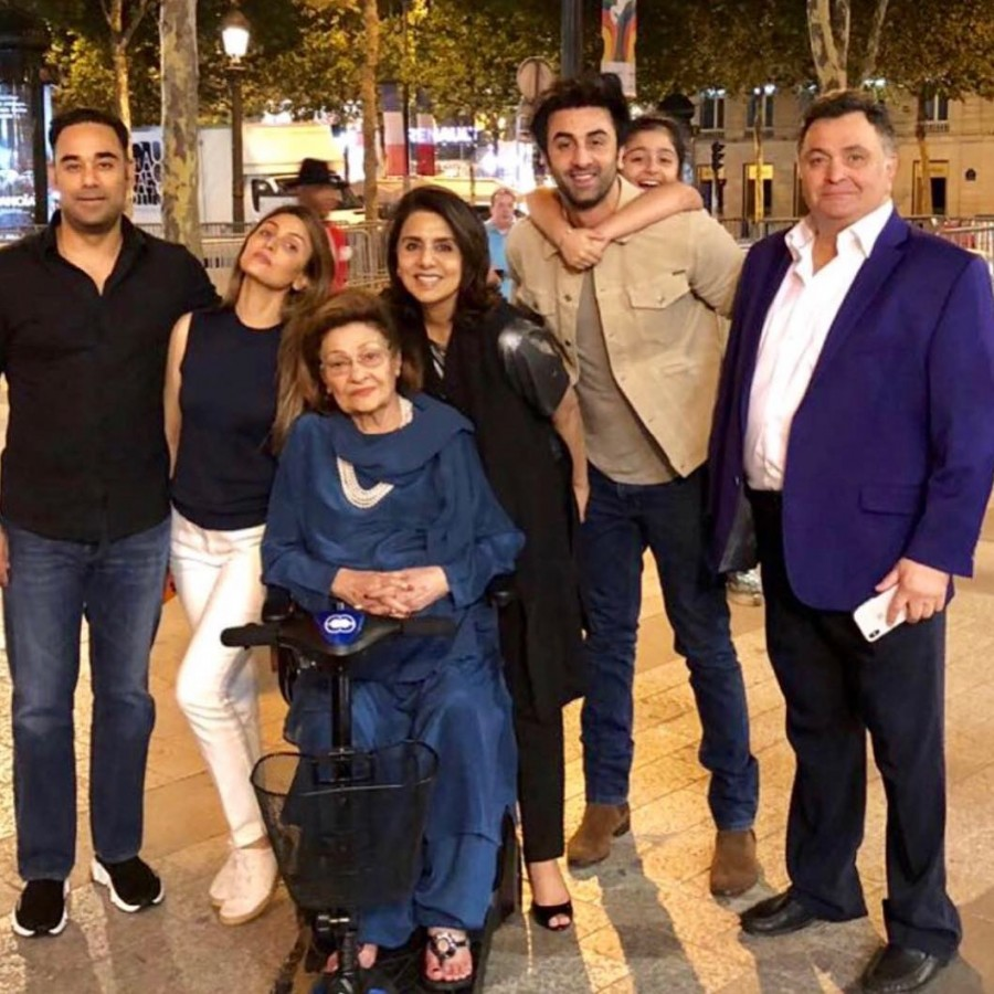 Neetu Kapoor,Neetu Kapoor birthday,Neetu Kapoor birthday celebration,Neetu Kapoor birthday celebration pics,Neetu Kapoor birthday celebration images,Neetu Kapoor birthday celebration stills,Ranbir Kapoor,Rishi Kapoor