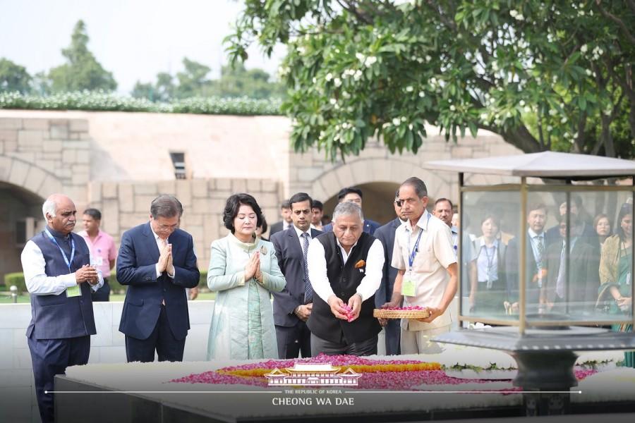 South Korean President Moon Jae-in,Moon Jae-in,President Moon Jae-in,Mahatma Gandhi,Rajghat,Moon Jae-in at Rajghat,Moon Jae-in in India