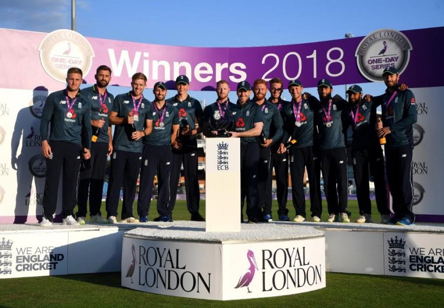 England outclass India,England beats India,England trash India,Virat Kohli,MS Dhoni,Dinesh Karthik,Shikhar Dhawan,Joe Root,Eoin Morgan