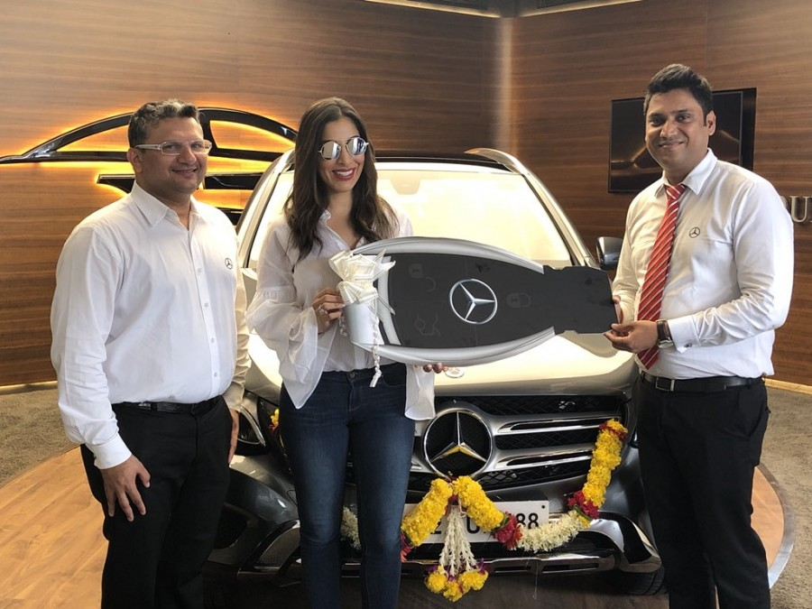 Sophie Choudry,Sophie Choudry buys Mercedes-Benz GLC SUV,Mercedes-Benz GLC SUV,actress Sophie Choudry