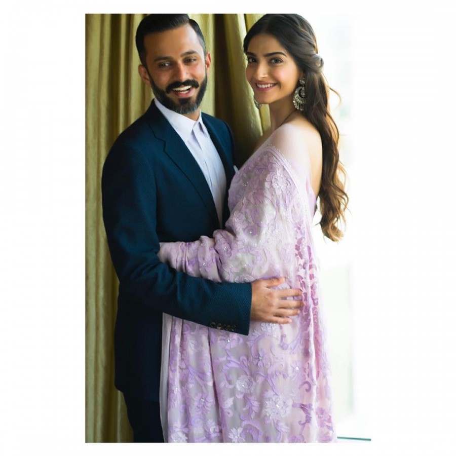 Sonam Kapoor and Anand Ahuja,Sonam Kapoor,Anand Ahuja,Sonam Kapoor and Anand Ahuja pics,Sonam Kapoor and Anand Ahuja images,Sonam Kapoor and Anand Ahuja stills,Sonam Kapoor and Anand Ahuja pictures,Sonam Kapoor and Anand Ahuja photos