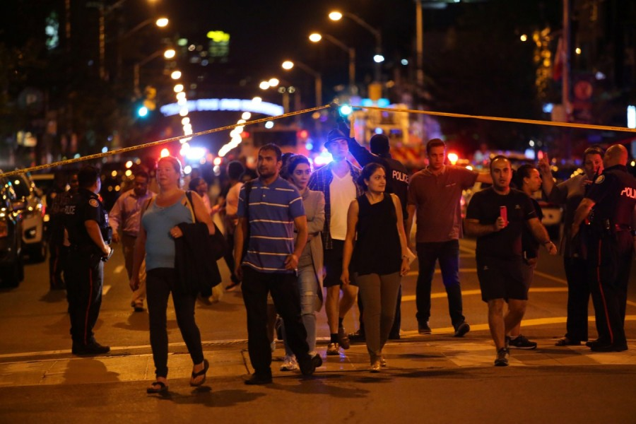 Deadly mass shooting in Toronto,Deadly mass shooting,Toronto Deadly mass shooting,Toronto mass shooting,Toronto shooting,1 dead 13 injured in Toronto shooting,gunman