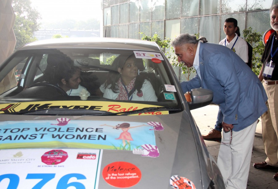 Vijay Mallya,gurmeet choudhary,Mugdha Godse,International Womens Day 2015,#HappyWomensDay,car rally,photos