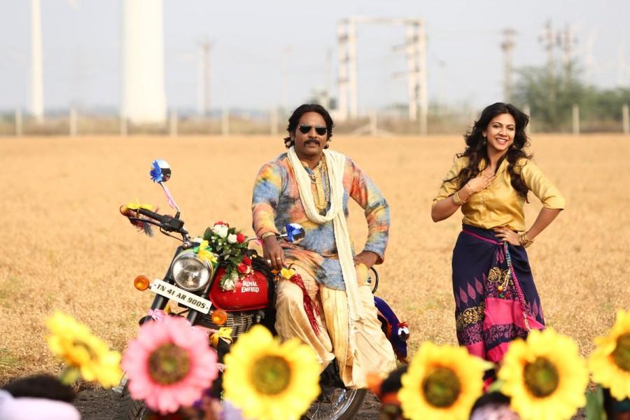 Vijay Sethupathi,Sayyeshaa,Vijay Sethupathi and Sayyeshaa,Junga movie stills,Junga movie pics,Junga movie images,Junga movie pictures,Junga movie photos