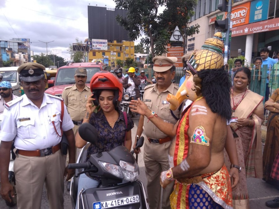 Yamraj campaign,Lord Ganesha campaigns,Ganesha campaigns,Bengaluru,Bengaluru road safety awareness,road safety awareness