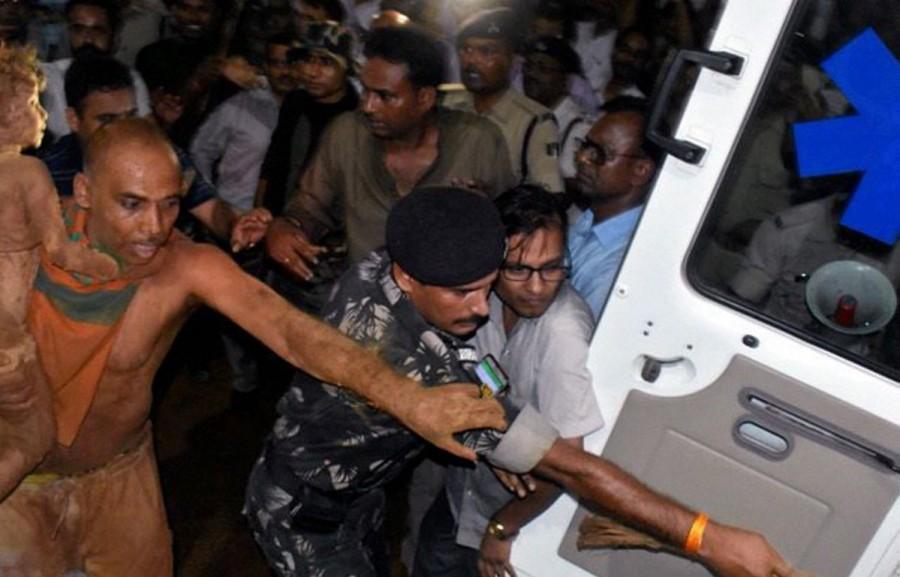 Patna girl rescued,Sadar Hospital,Sushil Kumar Modi,CM Sushil Kumar Modi,110-feet borewell,Munger borewell