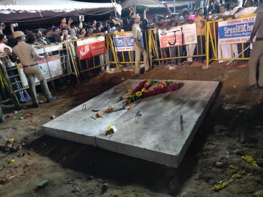 karunanidhi burial க்கான பட முடிவு