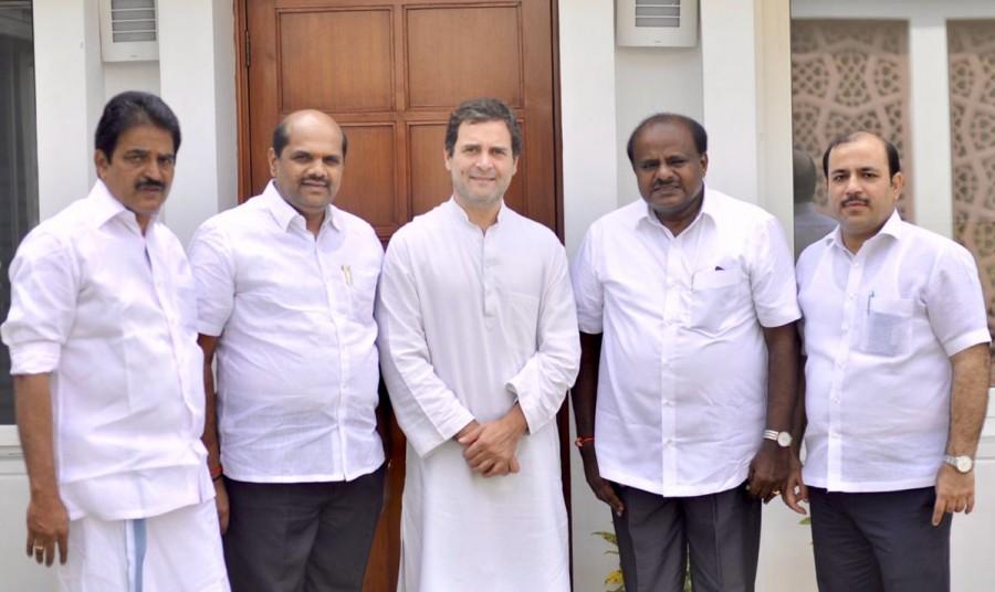 HD Kumaraswamy,CMHD Kumaraswamy,CM Kumaraswamy,Kumaraswamy meets Rahul Gandhi,Rahul Gandhi,Kumaraswamy 100 days,Karnataka CM