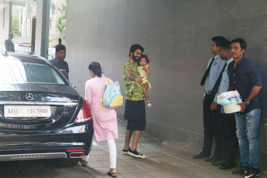 Shahid Kapoor,shahid kapoor mira rajput,Shahid Kapoor baby,Shahid Kapoor boy baby,Shahid Kapoor boy baby pics,Shahid Kapoor boy baby images,Shahid Kapoor boy baby stills,Shahid Kapoor boy baby pictures,Shahid Kapoor boy baby photos