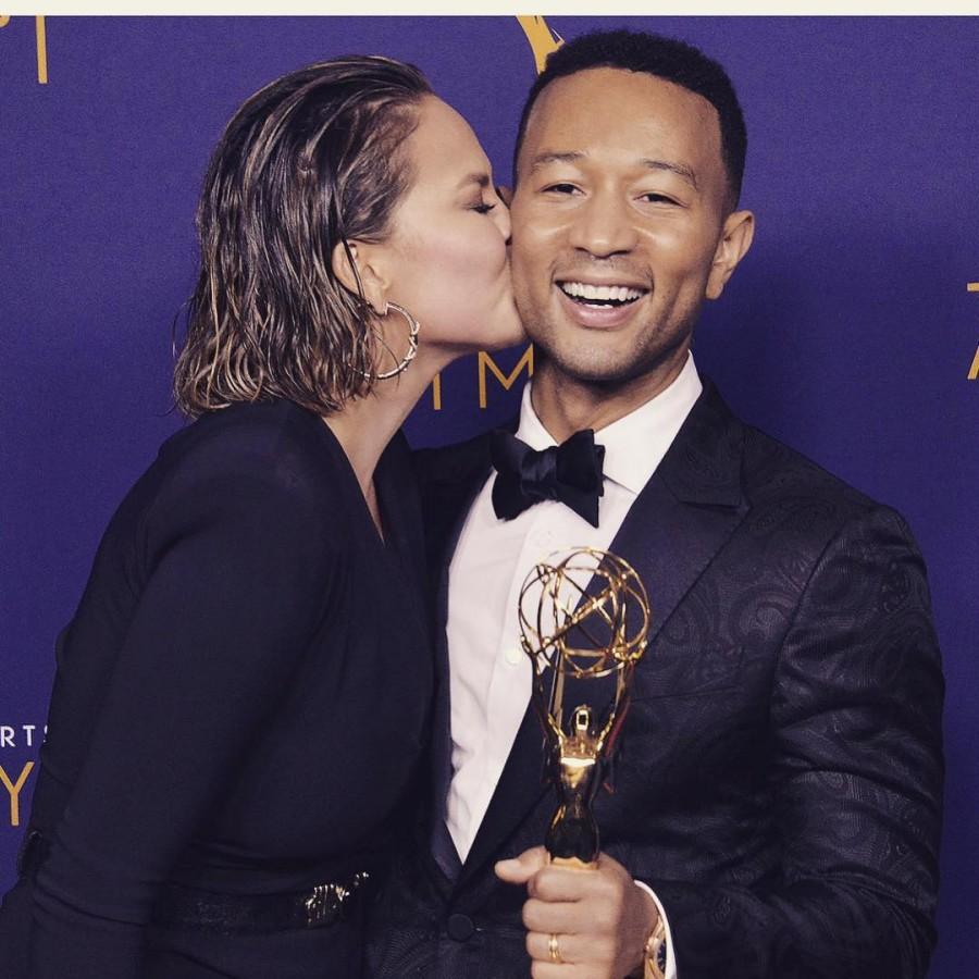 Chrissy Teigen,Chrissy Teigen kiss John Legend,John Legend,Creative Arts Emmys,GQ Man of the Year