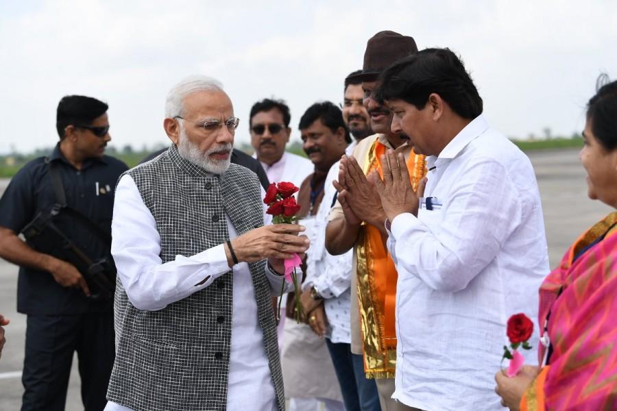 Imam Husain,Imam Husain death anniversary,Ashara Mubaraka,Narendra Modi reaches Indore,Narendra Modi at Ashara Mubaraka