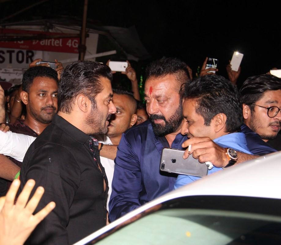 Salman Khan and Sanjay Dutt,Salman Khan,Sanjay Dutt,Sanjay Dutt at Mukesh Ambani bash,Salman Khan at Mukesh Ambani bash,Ganesh Chaturathi Celebrations