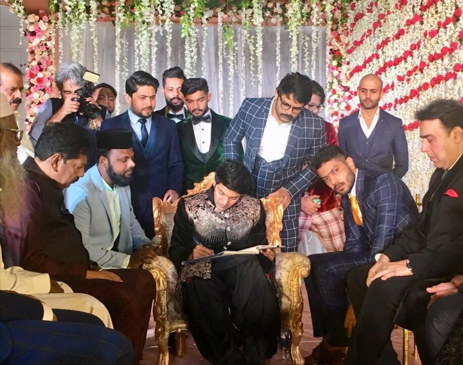 Arya-Sayyeshaa wedding: Celebrity couple exchange wedding