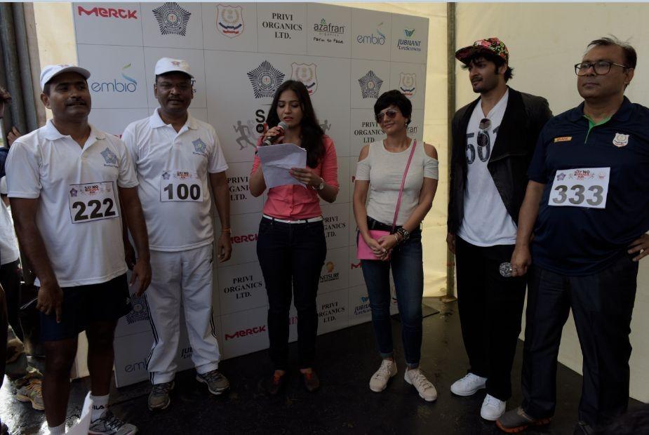 Mandira Bedi,Ali Fazal,Say No to Drugs Run,Say No to Drugs Run campagin,Mandira Bedi and Ali Fazal,Ali Fazal,KS Jha,Zonal Director,Narcotics Control Bureau,Say No to Drugs Run event