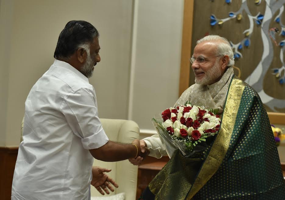 Panneerselvam,O Panneerselvam,Narendra Modi,Panneerselvam meets Narendra Modi,Jayalalithaa,J Jayalalithaa,Bharat Ratna for Jayalalithaa,Bharat Ratna