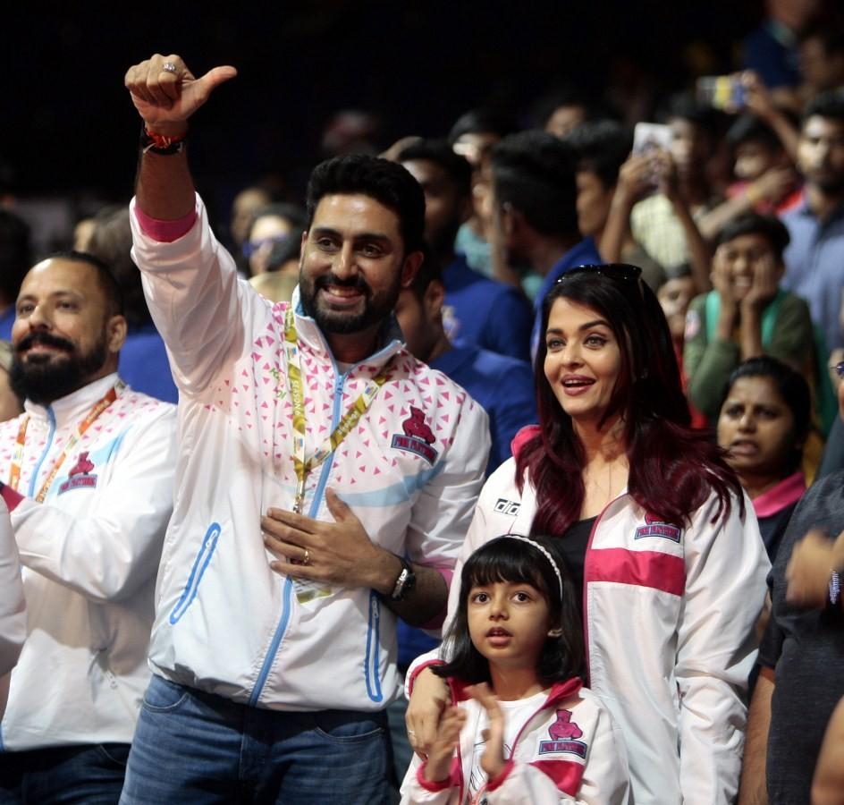 Abhishek Bachchan,Aishwarya Rai Bachchan,Abhishek Bachchan and Aishwarya Rai,Aaradhya Bachchan,Aishwarya Rai with Aaradhya,Pro Kabaddi League,Jaipur Pink Panther