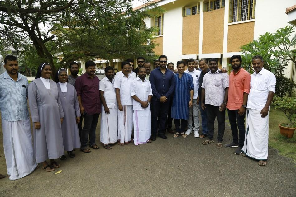 Rahman,Rahman Kerala floods,Rahman relief work at Aluva,actor Rahman,Kerala Relief Mission,Kerala CM Relief Fund