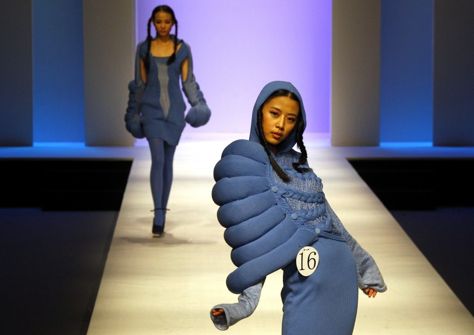 Fashion Victim: Latest Bizarre Fashion Costumes Around The World