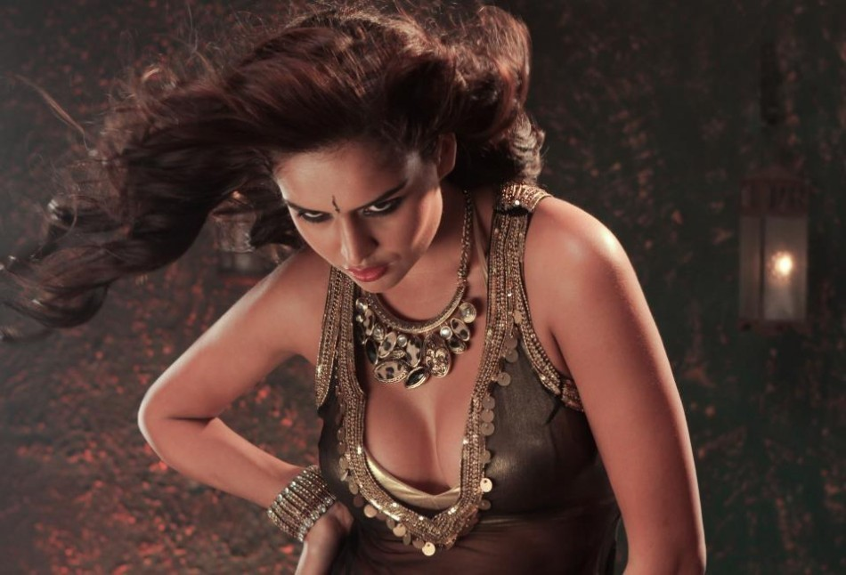 "Nathalia Kaur in ""Dan Dan"" Item Song"