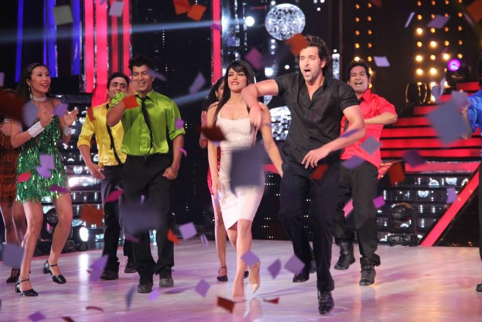Priyanka and Hrithik sizzle to Krrish 3 track (photo Varinder Chawla)