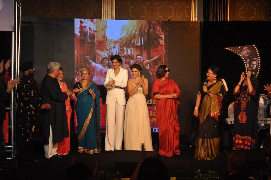 Usha Uthup,Sonam Kapoor,Javed Akhtar,Shabana Azmi,Waheeda Rehman, Asha Parekh